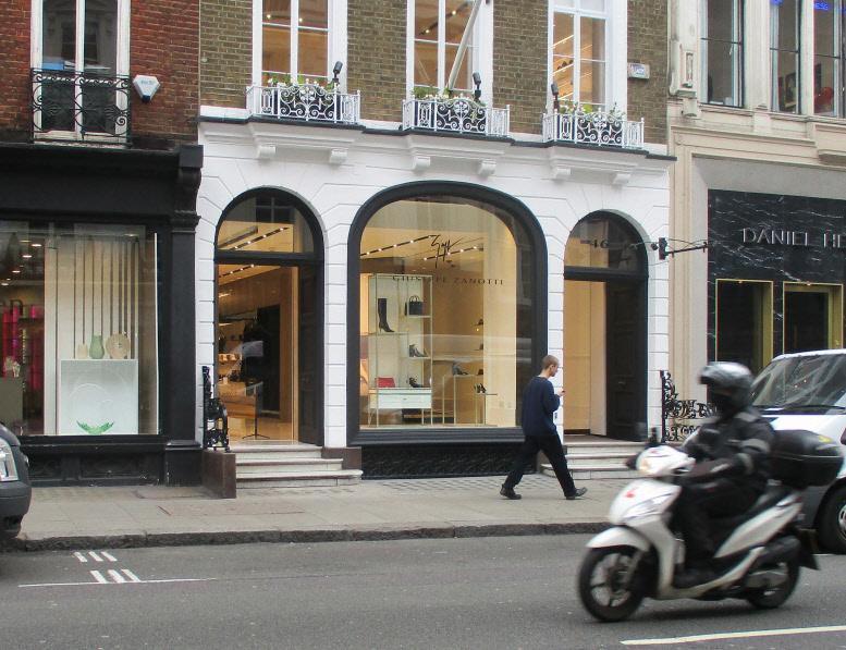 Guiseppi Zannotti womens shoe shop in London's Mayfair
