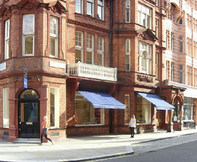Oscar de la Renta shop in London's Mayfair