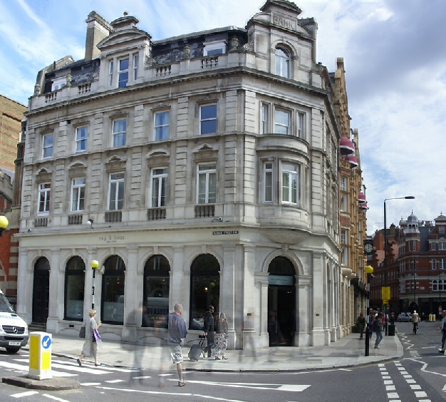 Rag and Bone store at Sloane Square, at the junction with Sloane Street.