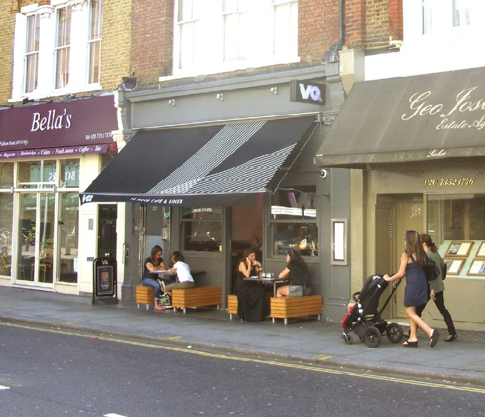 Vingt Quatre 24 hour restaurant in London's Chelsea