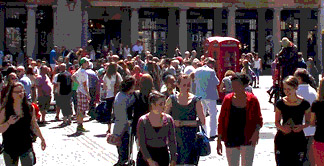 Shoppers at the Covent Garden piazza in London