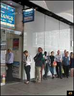 Queue for London money exchange